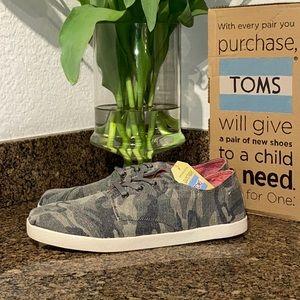 TOMS Paseos Camo Canvas men's sneakers shoes